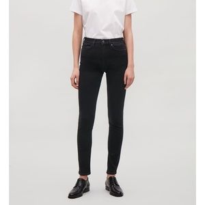 COS High Rise Skinny Fit Jeans in Washed Black